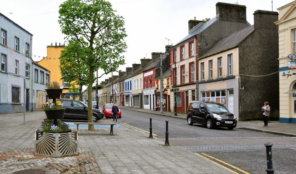 The Origin and Growth of Towns and Villages in Ireland